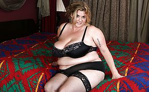 American big breasted mature <b>BBW</b> getting naughty