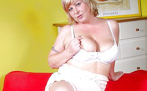 Horny <b>chubby</b> housewife playing with a dildo