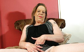 <b>Mature</b> housewife playing with herself