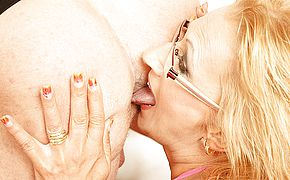 This kinky mama loves to eat <b>ass</b> and get a creampie