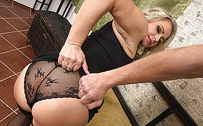 Hot MILF gets it in <b>pov</b> style