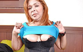 Chubby Latin housewife getting very naughty