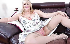 <b>Chubby</b> British housewife playing with her pussy