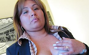 <b>Chubby</b> housewife playing on her bed