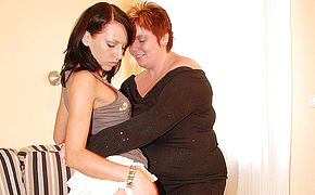 <b>Chubby</b> mama playing with a hot babe