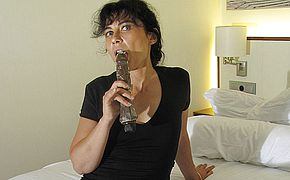 <b>Hairy</b> mature slut masturbating with a dildo