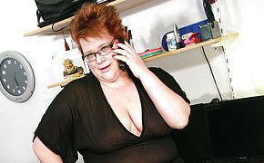 Horny <b>chubby</b> mama playing dirty games