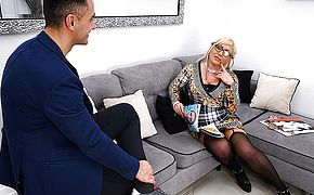 Curvy mature lady fucking and sucking her <b>ass</b> off